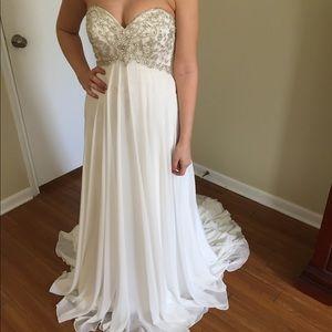 Crystal Bodice Wedding Gown *Brand New*